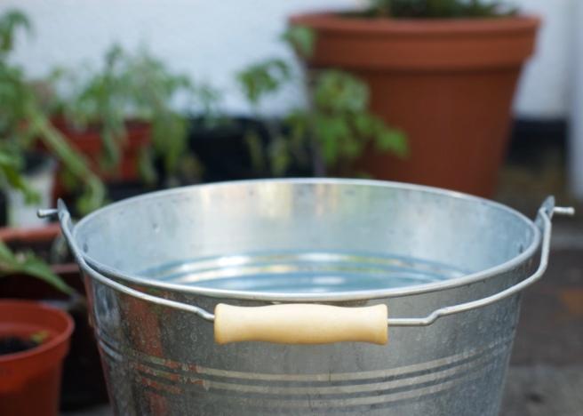 bucket_plant_pots